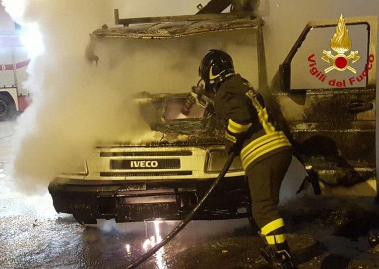 Vigili del Fuoco incendio a Crotone