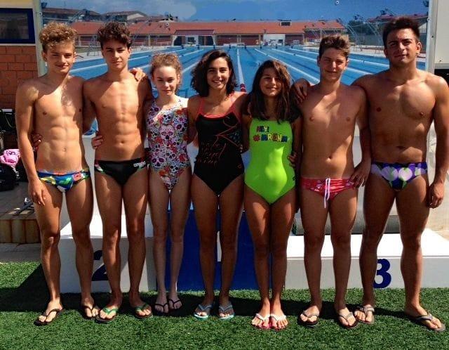 Kroton Nuoto - da sx Torchia, Podella, De Meo, Guerriero, Rota, Arcuri, Amideo