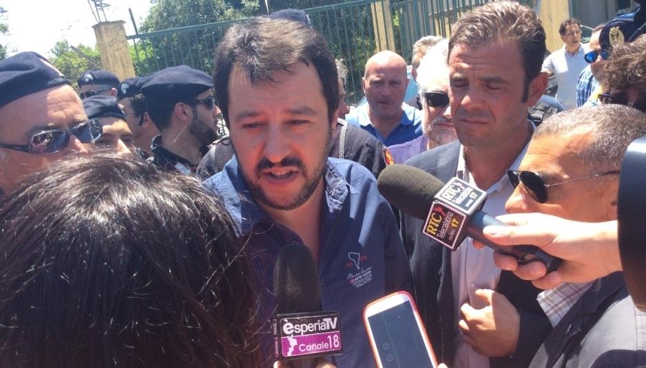 Matteo Salvini all'uscita del Cara