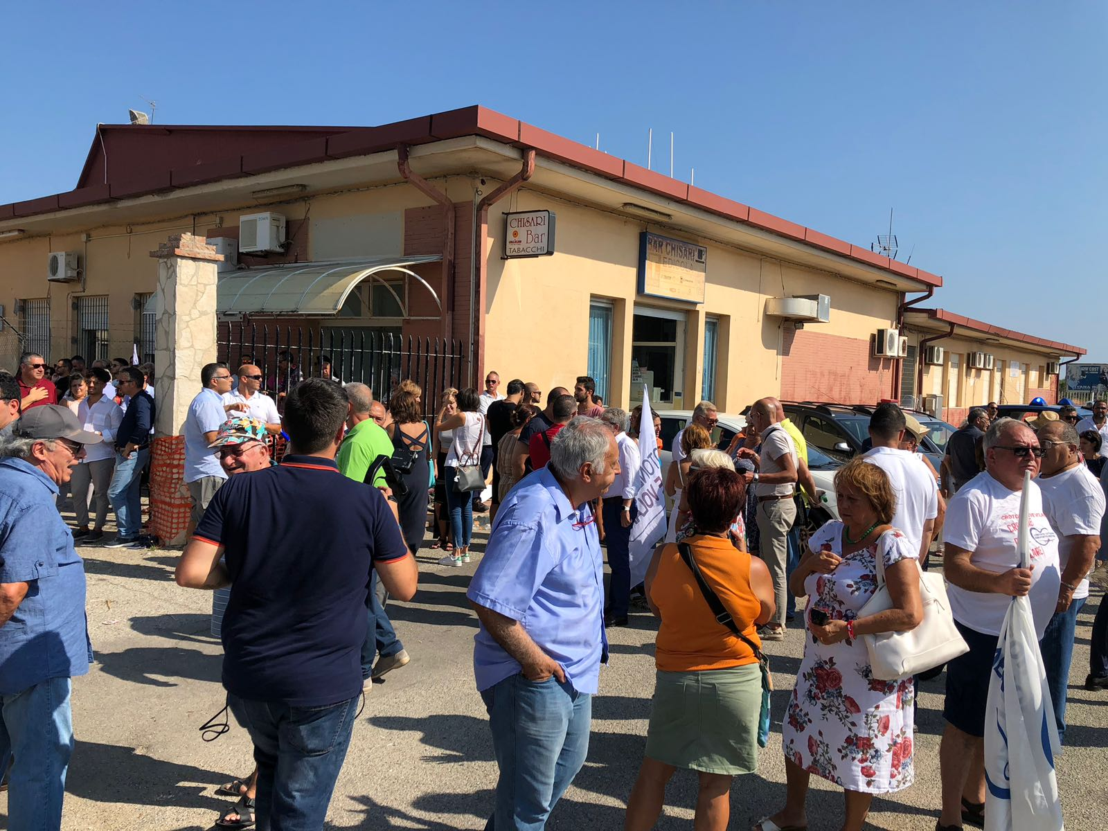 Aeroporto Pisa : Navetta da pisa aeroporto empoli binari dintorni